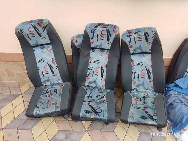 Сидіння для автобуса Спрінтер ЛТ, в кількості 18 шт, розкладні і ні