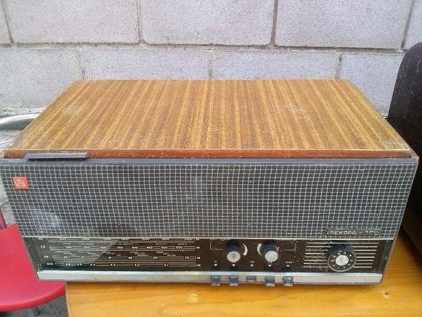 Продам радиолу Рекорд-354