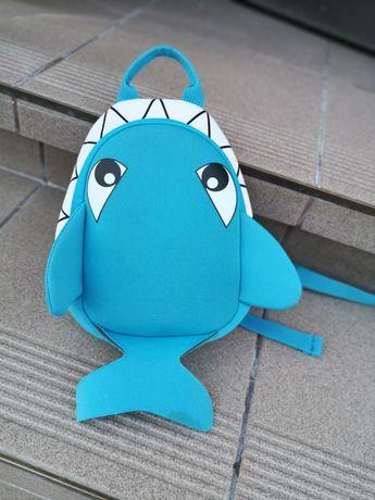 Prześliczny plecak dla dziecka rekinek