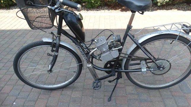 Rower z silnikiem spalnowym