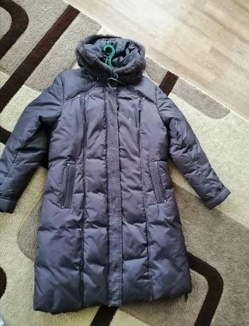 Продам зимнюю куртку курточку пуховик женскую 52-54р.