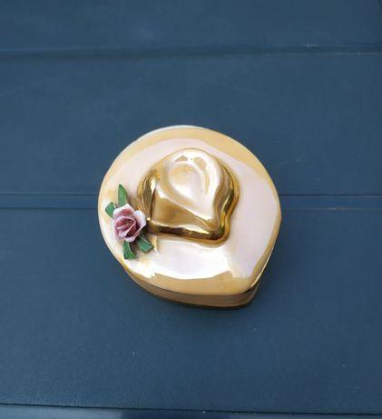 Peças porcelana decorativas