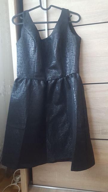 Sukienka z połyskiem
