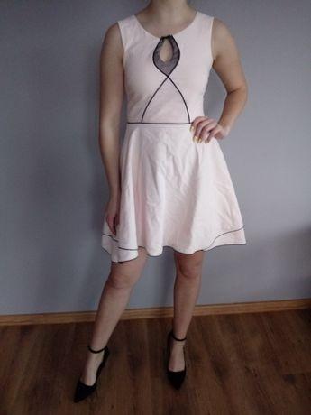 Sukienka jasno różowa