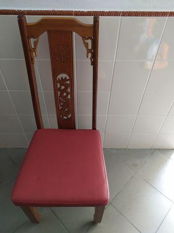 30 cadeiras com forro anti nódoa e impermeável