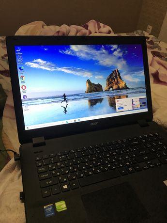 Ноутбук Acer почти новый с документами и коробкой