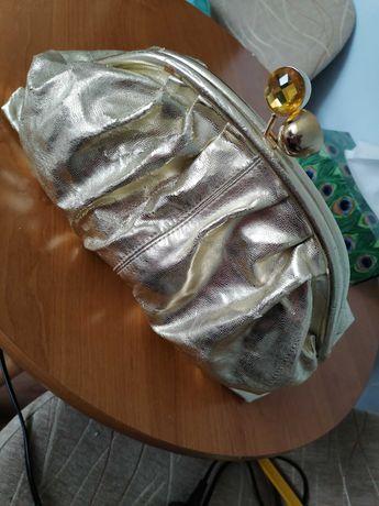 złota kosmetyczka/torebka do ręki  - 35 zł