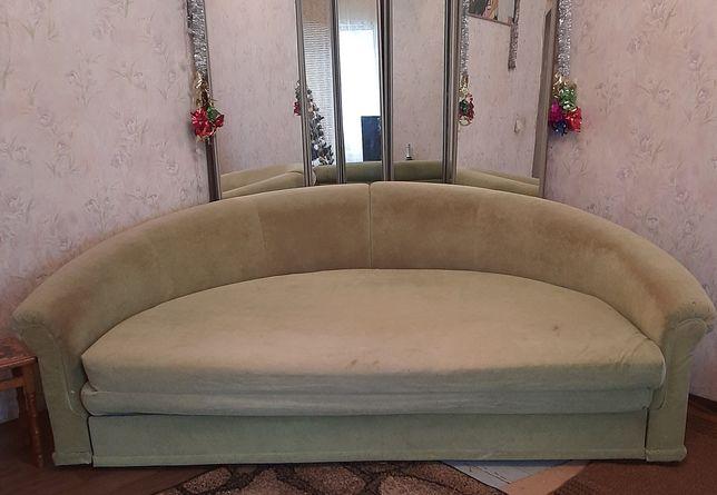Продам диван круглый