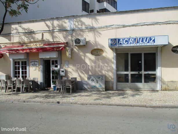 Moradia - 362 m² - T0