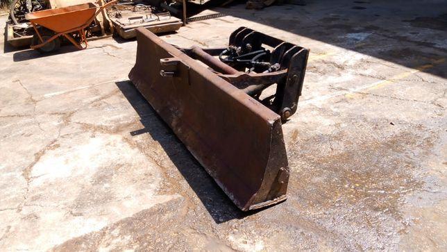 Lâmina c/ parte hidráulica para Escavadora Giratória de 16 toneladas