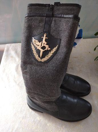 Ботинки зимние , тёплые