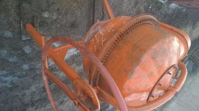 Betoniarka 120l na prad 230v Wieniec żeliwny sprawna