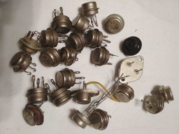 Транзисторы разные 24 шт., все марки в описании