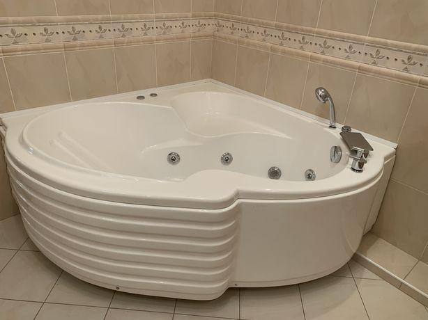 Гидромассажная акриловая ванна 150*150см., Глубина 50см., Высота ножек