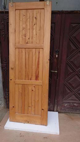 Drzwi drewniane przesówne 70