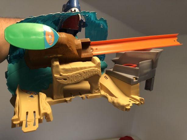 Hot Wheels zestaw tor atak Rekina używany