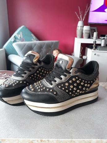 Sneakersy guess roz.41