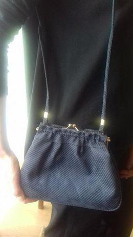 sprzedam torebkę damską w kolorze niebieskim