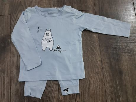 Piżamka dres niemowlęcy 74 nowe komplet