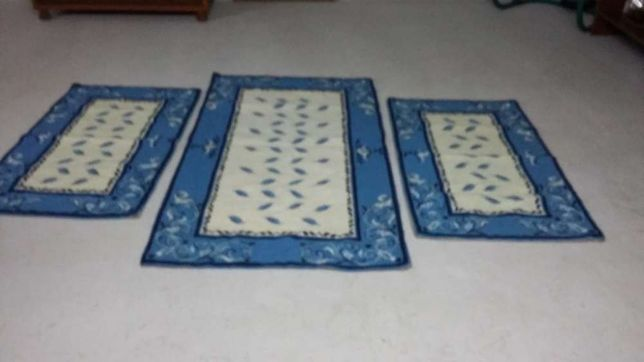 Arraiolos. Conjunto de tapetes de quarto novos , feitos á mão!