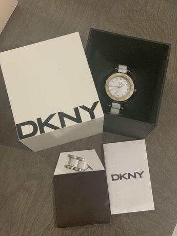 Часи DKNY original