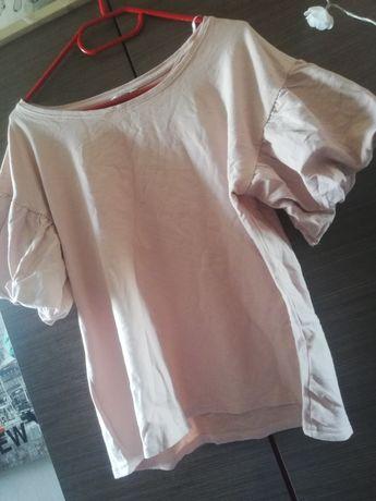 T-shirt z falbankami na rękawach