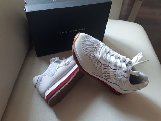 Sneakery tommy hilfiger 37