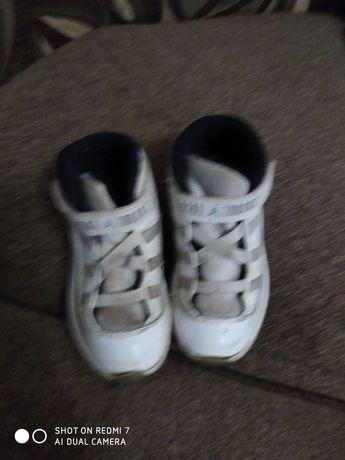 Ботинки-кроссовки детские,кожа 26р.