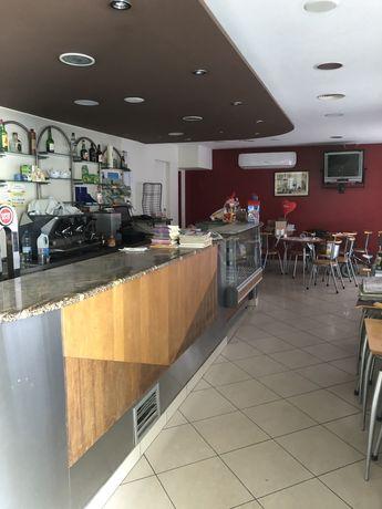 Café/Loja para arrendar