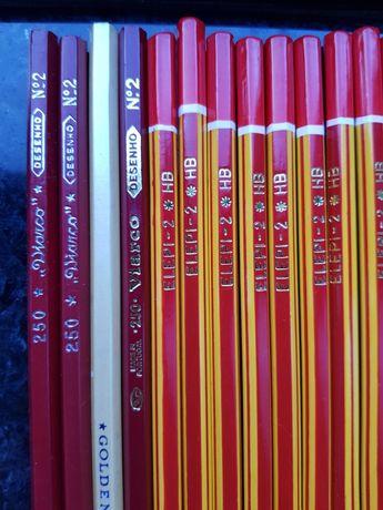 Lápis de escrever,  total 21 lápis