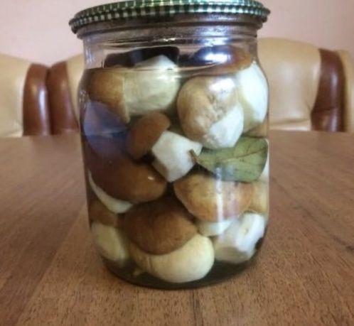 Маринованые белые грибы Мариновані білі гриби