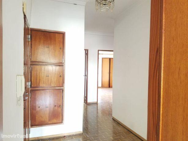 Apartamento T2+1 Venda em Rio de Mouro,Sintra