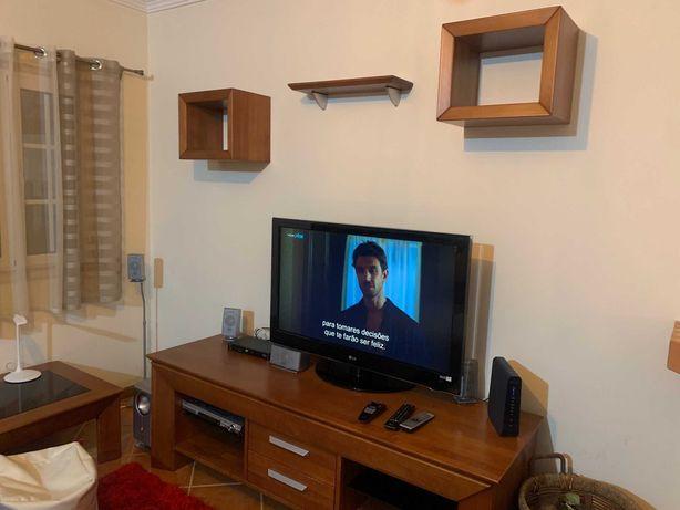 Aparador de Tv + mesa pequena de sala estar