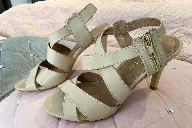 Sandały na obcasie, buty na obcasie, szpilki