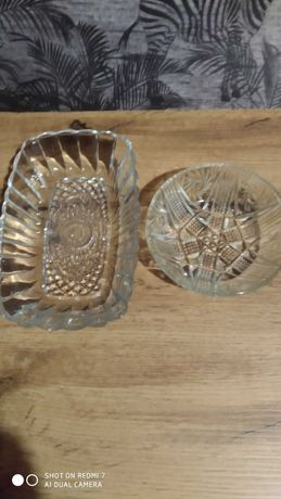 Małe miseczki szklane