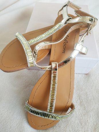 NOWE Sandałki ze złotymi paskami