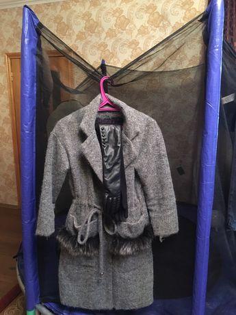 Теплое зимнее палто