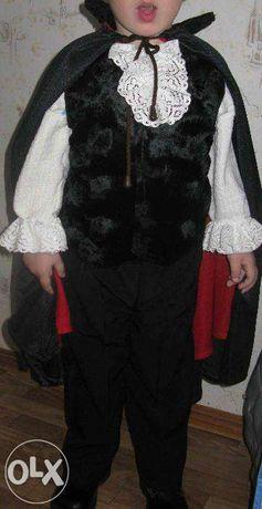 Продается новогодний костюм Дракулы для утренников на ребенка 3-5 лет