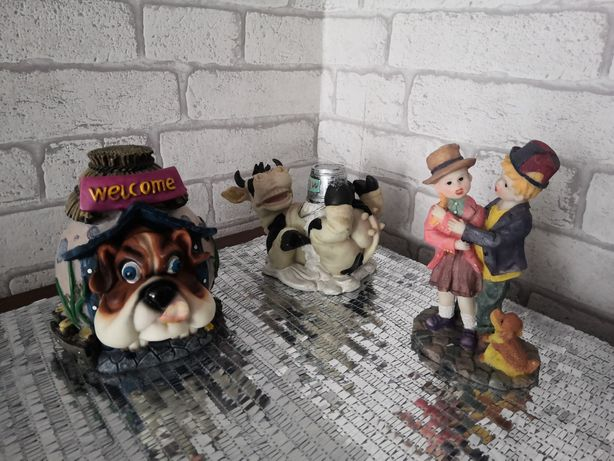Duże śliczne figurki - skarbonka - pies - krowa - para - Komplet