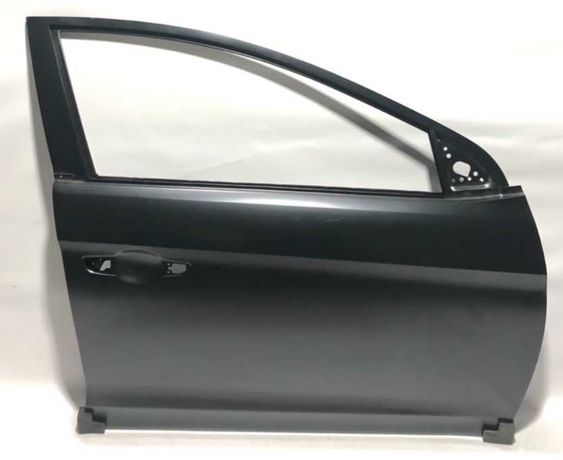 дверь передняя правя левая Hyundai Elantra Элантра 2016 2017 2018