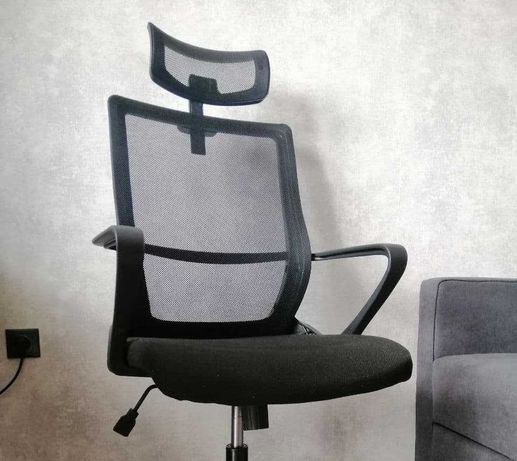 Продам новое офисное кресло + подголовник
