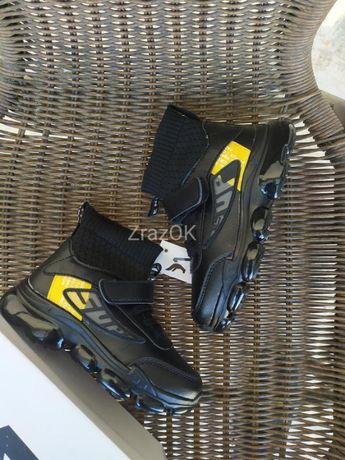Черные высокие кроссовки ботинки демисезонные весенние на липучках