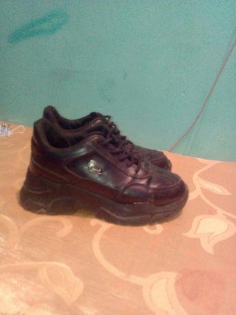Обувь,за все 150 грн