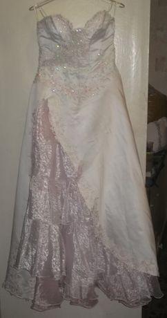 Свадебное платье бело-розовое + подъюбник-колокол
