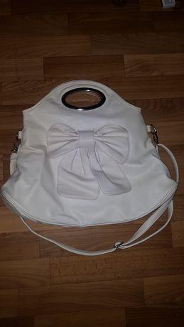 Жіноча сумка  білого кольору