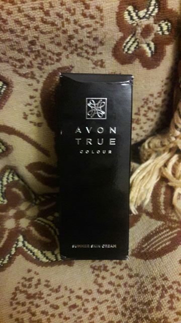 Крем для лица Avon с легким эффектом загара