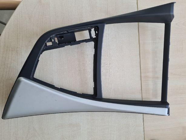 BMW 1 F20 ramka tunelu środkowego