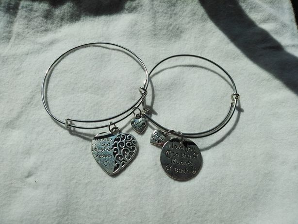 """Pulseira """"I love you to the moon and back"""""""