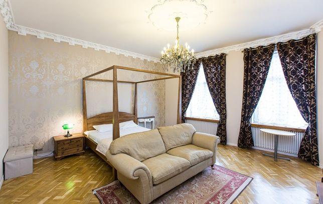 Квартира подобово в англійському стилі,біля Оперного театру,на Михальч