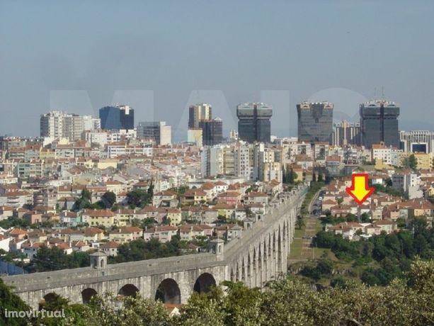 """Moradia com 4 pisos funcionando como """"Alojamento local"""" em Lisboa próximo das Amoreiras e destinada a investidores"""